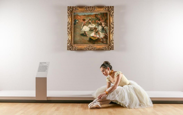 Image: Evie Ferris, Artist of The Australian Ballet, at Degas: A New Vision at NGV International, 2016, gives life to Edgar Degas Dancers' paintings -770 x 485