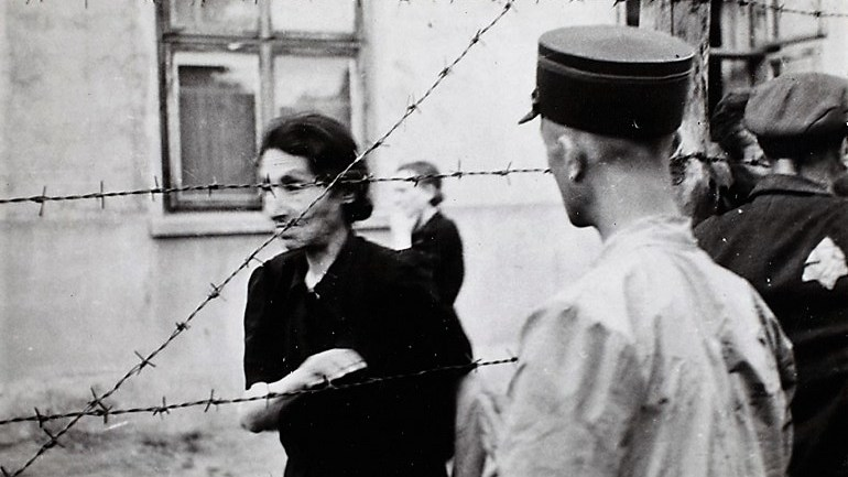 Henryk Ross's Grim Photos Remind Us of Life in Nazi Ghettos