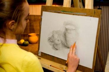 Академічний малюнок натюрморт в олівцем