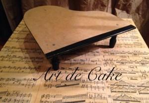 cake board piano cakeLR