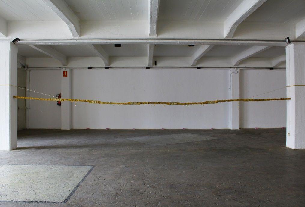 Pablo del Pozo. Horizonte,2018. Escayola, esparto, pigmento y cuerda. Medidas variables.