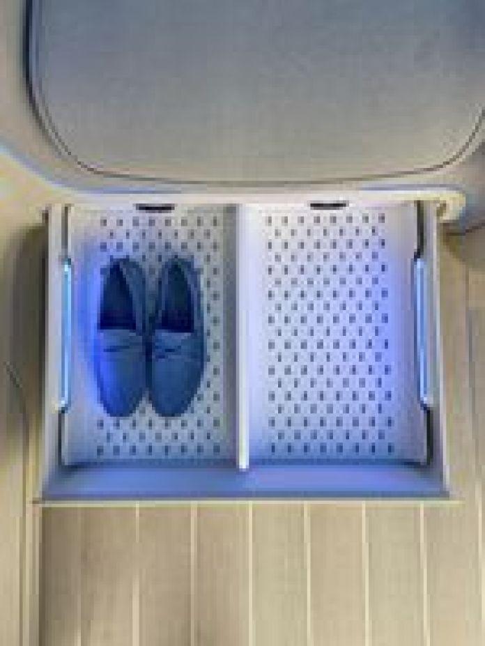 Ofrece un sistema de guardado y secado de zapatos. Foto: Hyundai.