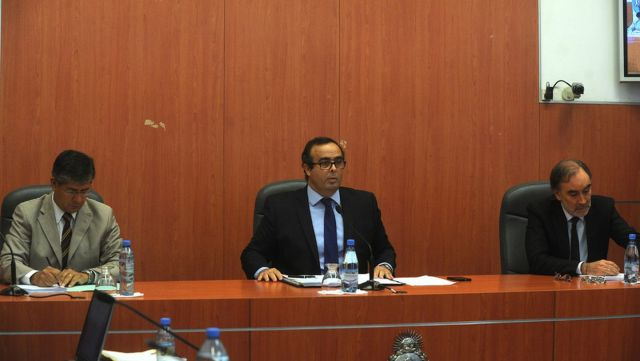 El Gobierno oficializó la remoción de tres magistrados que investigan causas de corrupción. Créditos: NA.