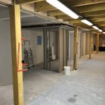 Couloir d'accès aux ilots de plaquiste-platrier