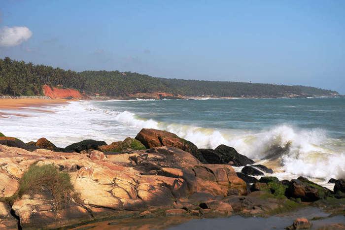 vizhinjam beach - famous beach in trivandrum