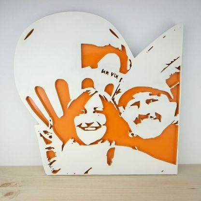 retrato en madera con detalle