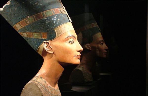 ArteCompacto: Nefertiti