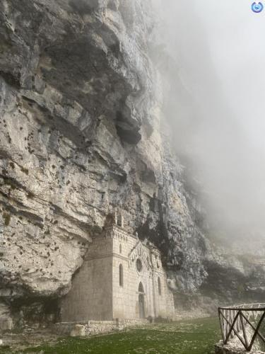 Antica chiesa nella roccia di San Michele Arcangelo