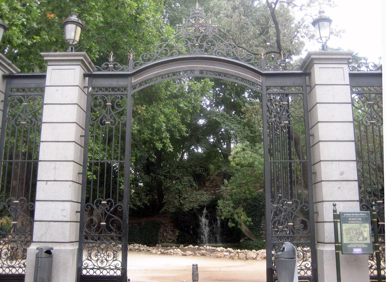 Puerta O'Donnell-M.Pelayo en El Retiro
