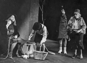 Teatro del siglo XX: el teatro del absurdo | ARTES ESCÉNICAS