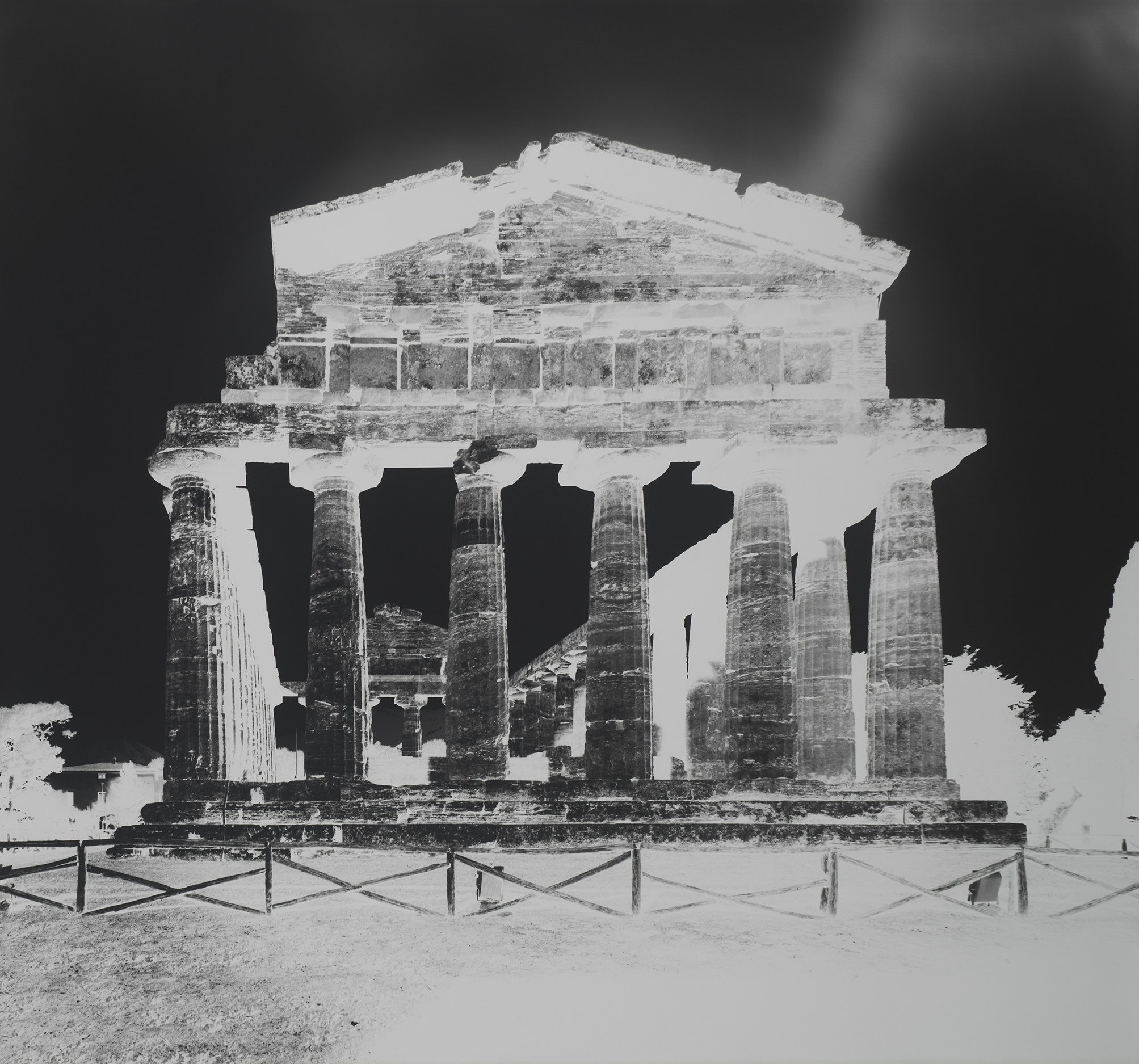 LUTTER 2015 Temple of Athena, Paestum, XIII October 13, 2015_Gagosian.jpg