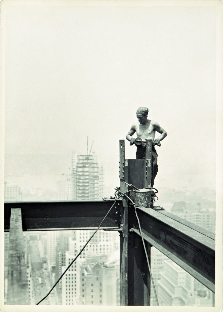 Lewis Hine _On The Hoist_ Empire State Building_1931.jpg