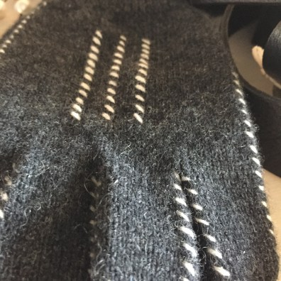 cashmere-fingerless-gloves-charcoal