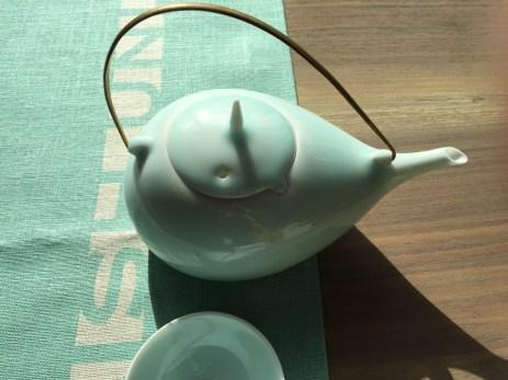 porcelain-tea-set-studioks-runner-4