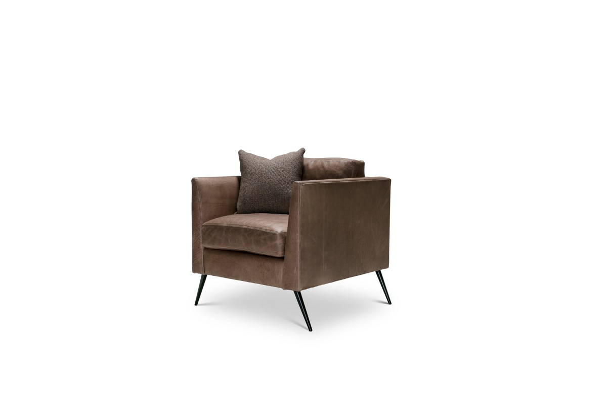 terrence-club-chair-verellen-pure-oyster-leather