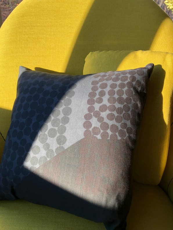 tx-poppy+dandy pillow 15@artefacthome
