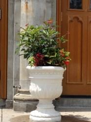 wall hall urn-limestone-pennoyer newman@artefacthome