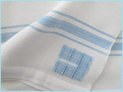 baby-blanket-white-swis