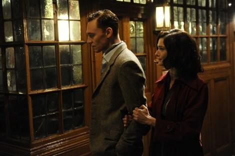 DBS16 049 Rachel Weisz (Hester Collyer) & Tom Hiddleston (Freddie Page)