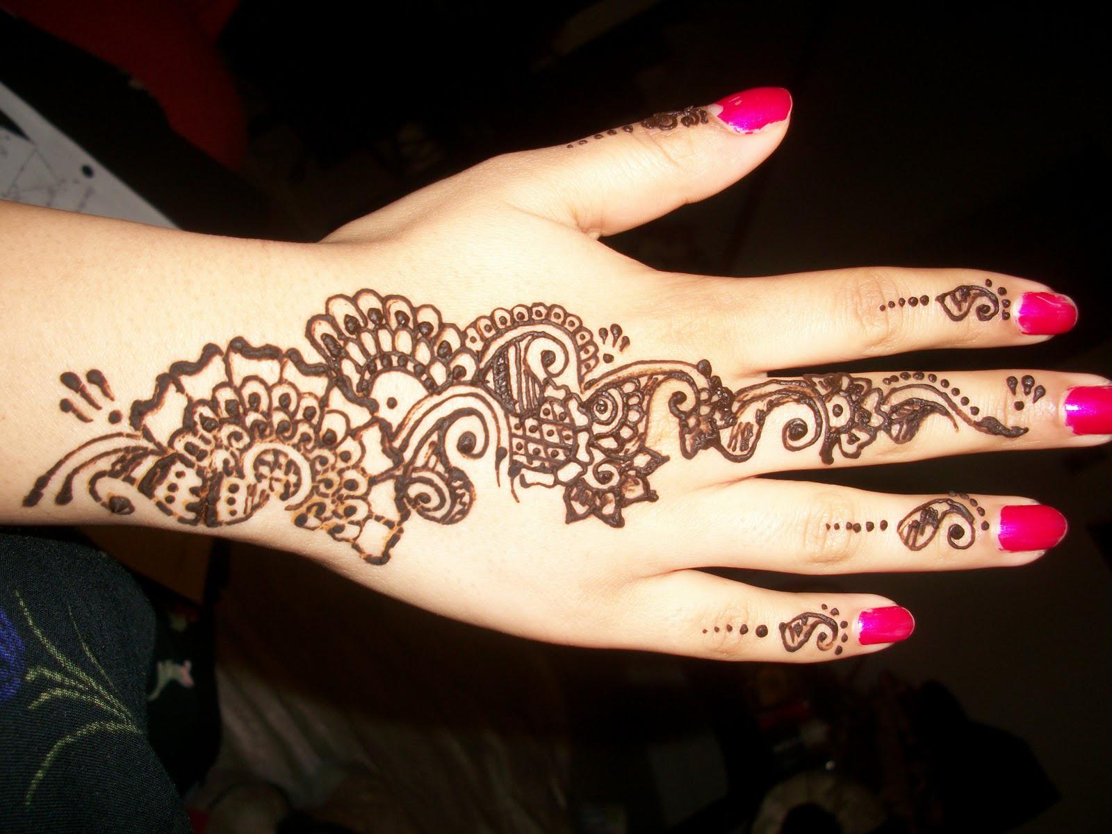 20 dise os de tatuajes de henna tradicionales arte feed for Henna para manos
