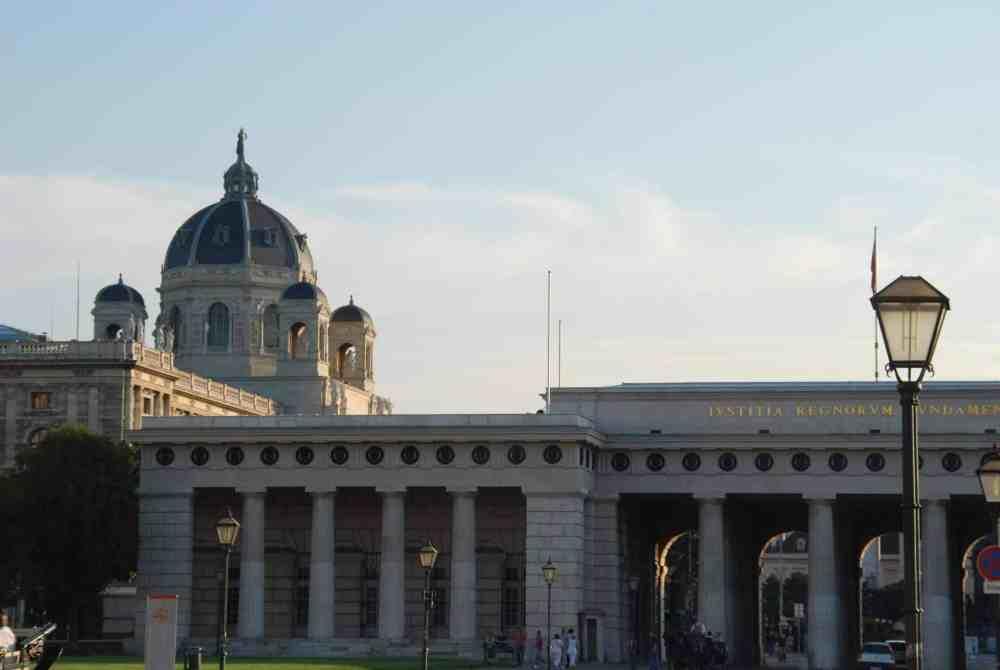 Burgtor und Kunsthistorisches Museum