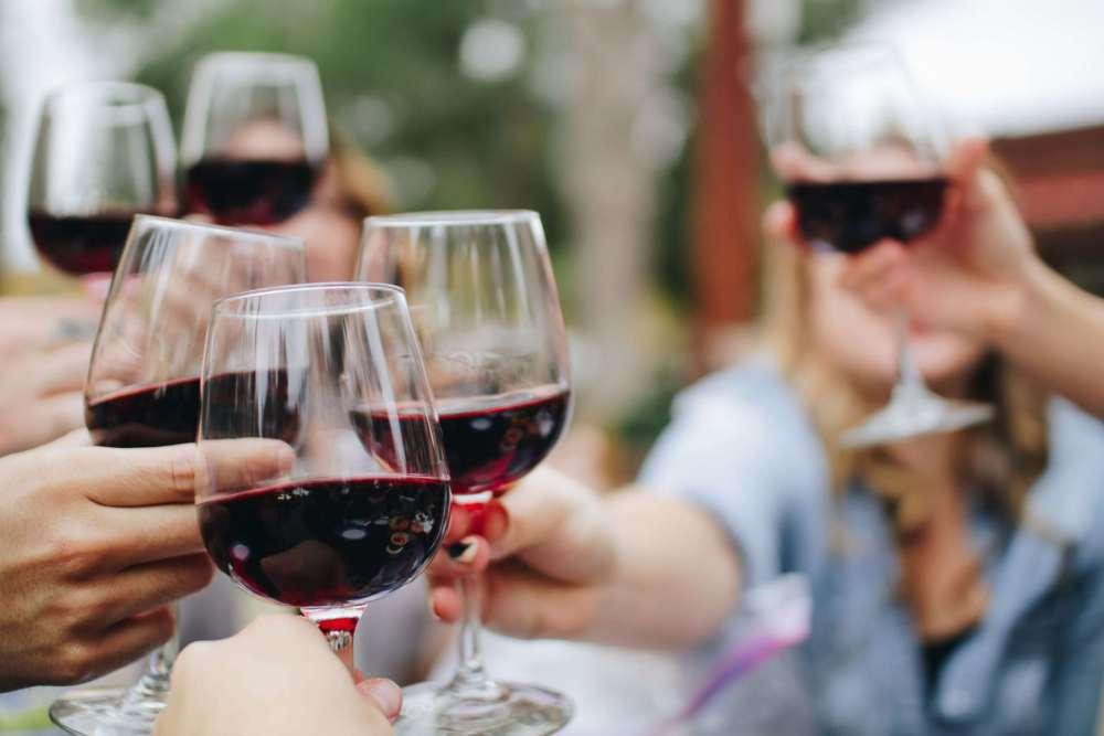 Weinverkostung Rotwein_kelsey-knight