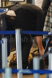 ROBERT PATTINSON À L'AÉROPORT DE LA