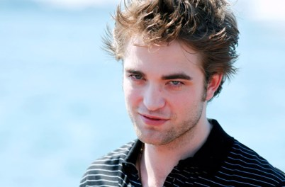 PHOTOS DE ROBERT PATTINSON SUR LA CROISETTE À CANNES - SO BEAUTIFUL !!