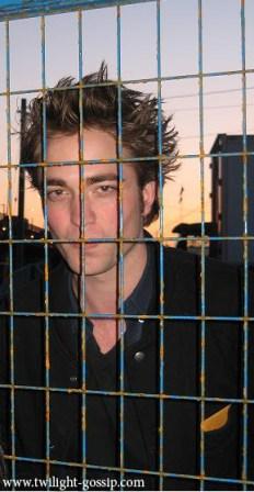 Robert ou Edward en Cage ?