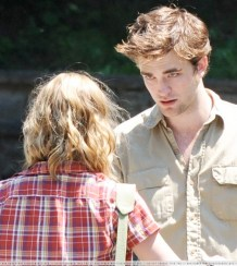 Robert Pattinson, Emilie de Ravin