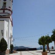 plaza del pueblo, iglesia