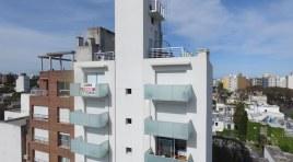 Último Monoambiente a ESTRENAR en piso 10 con amplia terraza, placares y vista soleada