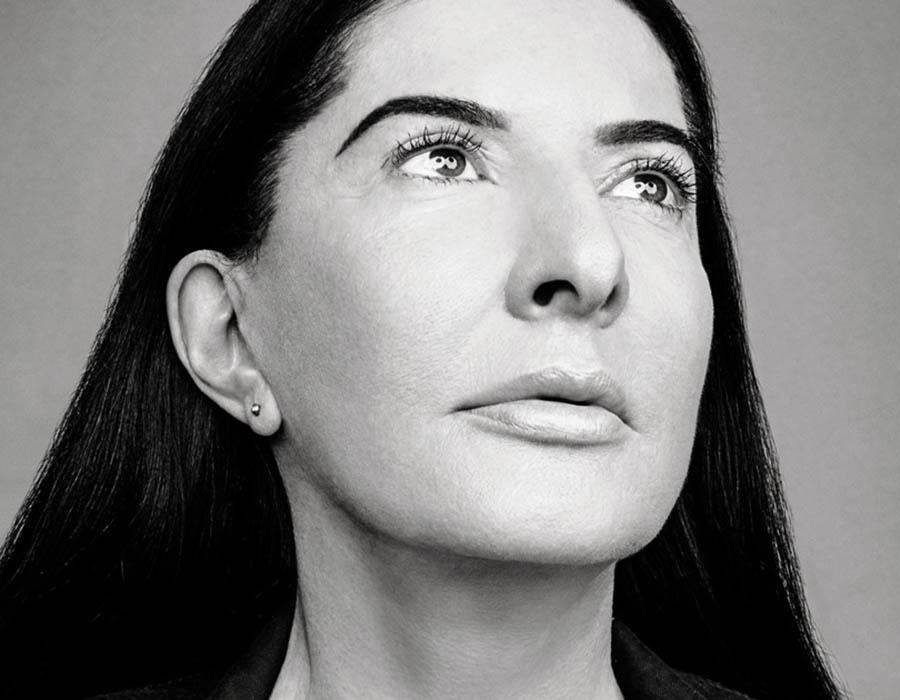 """Manifesto sobre a vida do artista"", por Marina Abramović"