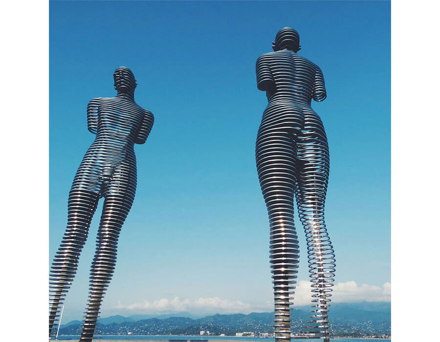 man-and-woman-statue-of-love-2900x700