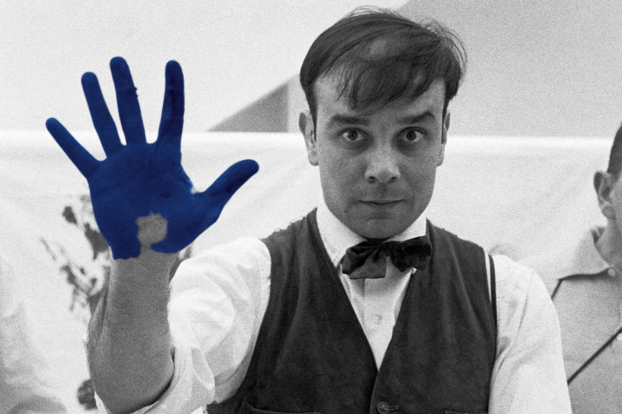 article_all_about_yves_yves_klein_2000x1333-1