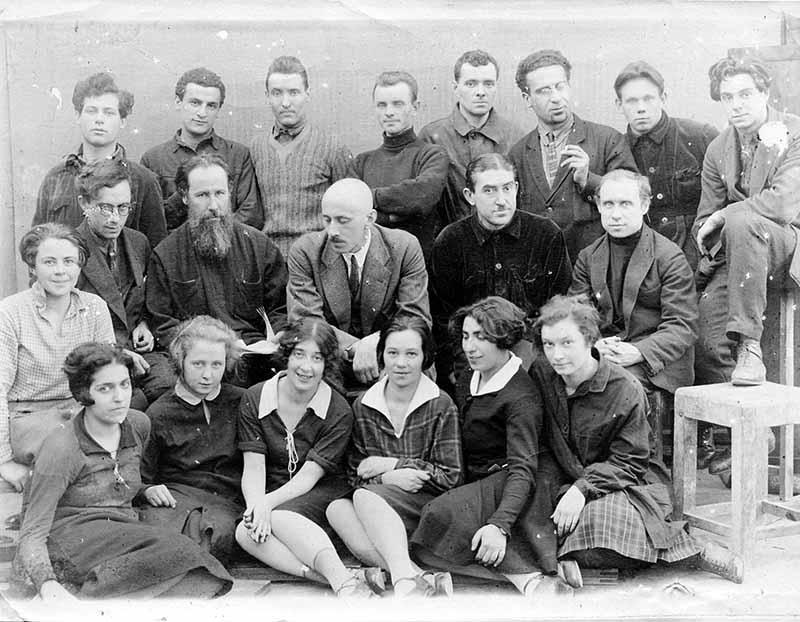 Favorsky_Kupreyanov_and_students_Vkhutemas_1926