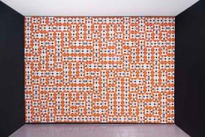 Ponta de lança, 2012 _ 2019 cerâmicas esmaltadas 20 x 16 cm (Variable dimensions) Foto por Edouard Fraipont