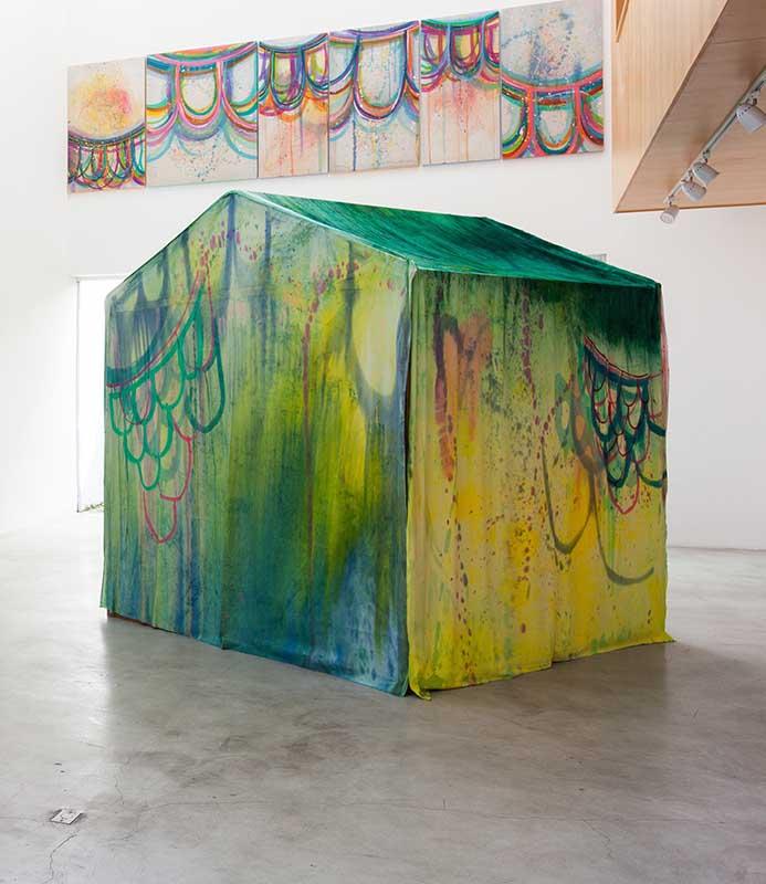 A pintura casa, dimensões variadas, madeira, tecido, tinta acrilica e pigmento, 2014 exposição Idilio zipper galeria Idílio - Renata Egreja - foto Gui Gomes 18A