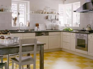 SP0820_yellow-checkers_s4x3.jpg.rend.hgtvcom.1280.960