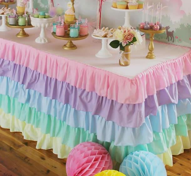 guloseimas-festa-infantil-simples-toalha-mesa