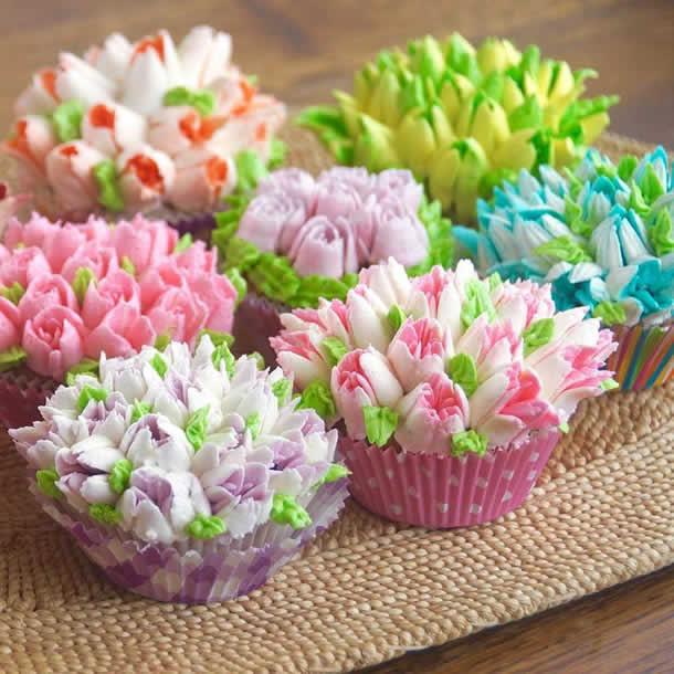 Cupcakes Decorados com Flores de Bicos Russos