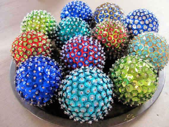 7 Bolas de Natal com lantejoulas, botões e personalizadas para Artesanato de natal