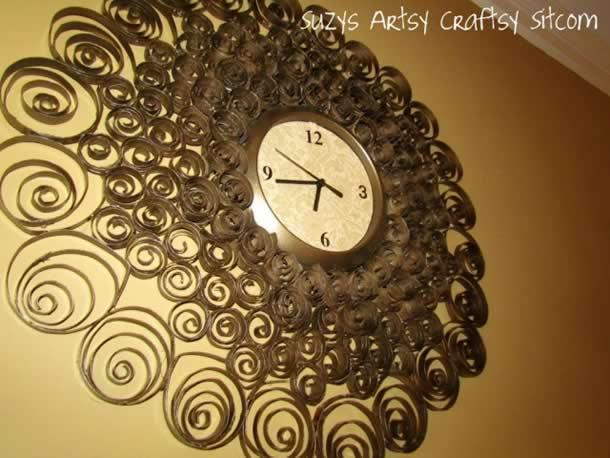 Relógio Decorado com Rolo de Papel Higienico