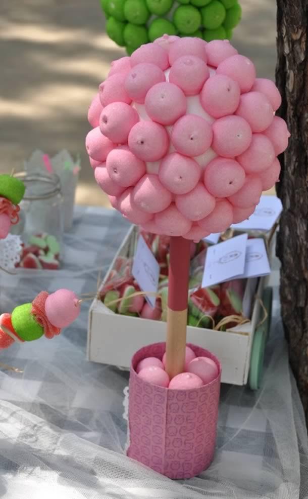 decoracao-com-marshmallow-topiario-reciclado