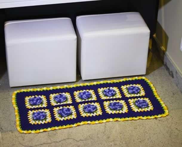 trabalhos-com-barbante-tapete-de-flores-azul