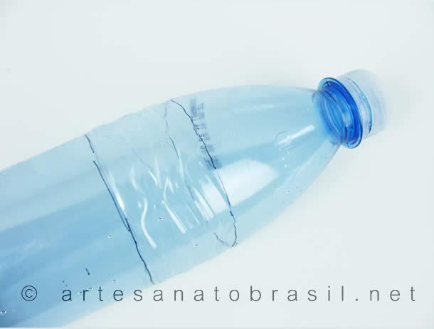 garrafa-de-agua-pet-500ml-sobra-bolhas-de-sabao