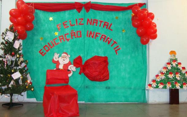 mural-de-natal-vermelho-verde
