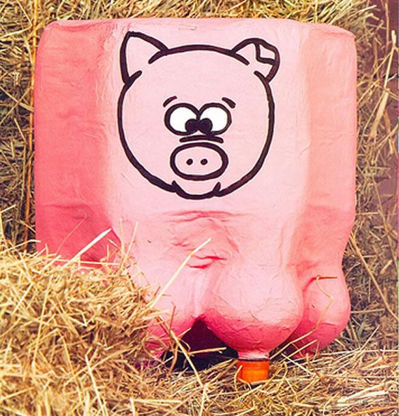 puff-de-garrafa-pet-porco