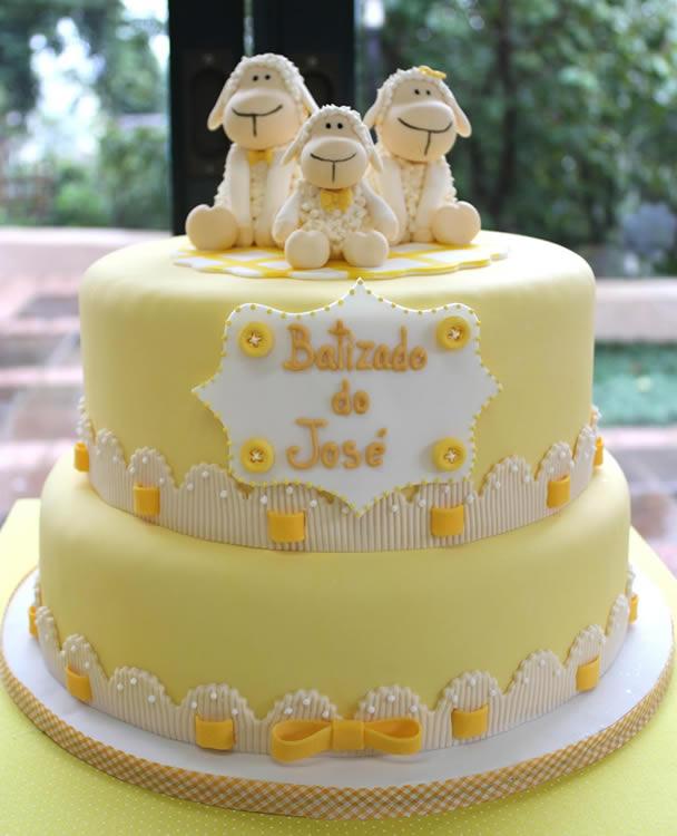 bolo-de-batizado-ovelhinhas