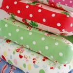 Almofada coloridas de Letras em tecido